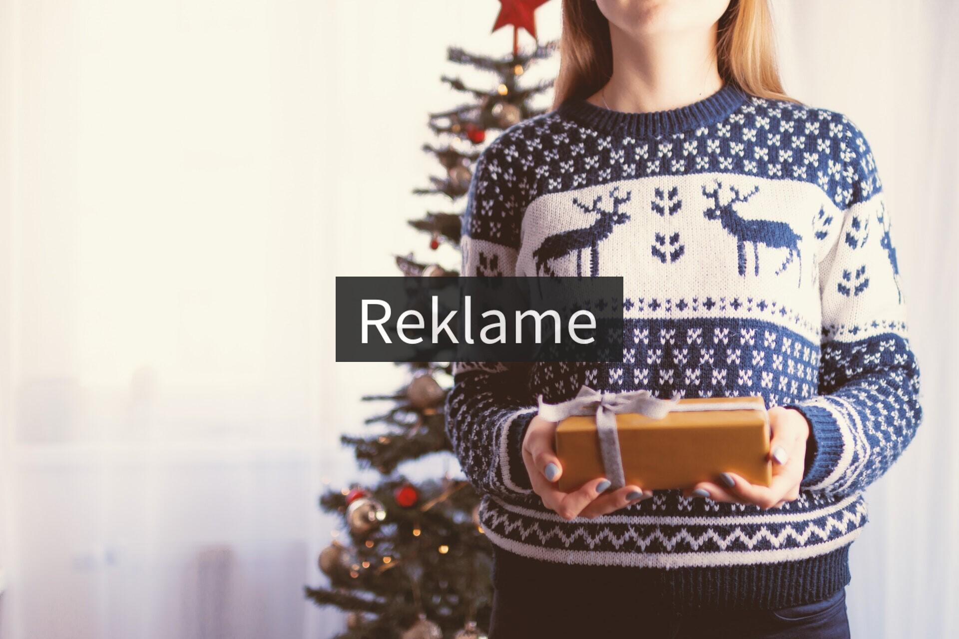 Kvinde i julesweater